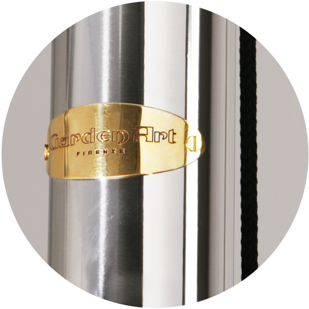 Central pole in AISI 316L mirror polished stainless steel